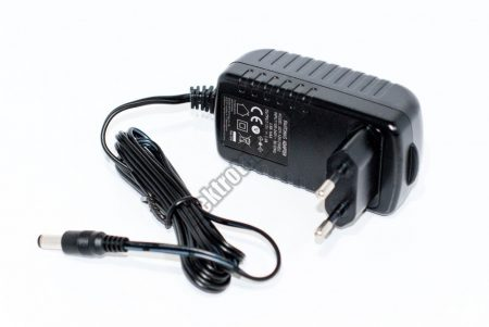 7910B Hálózati adapter 12V / 2A.